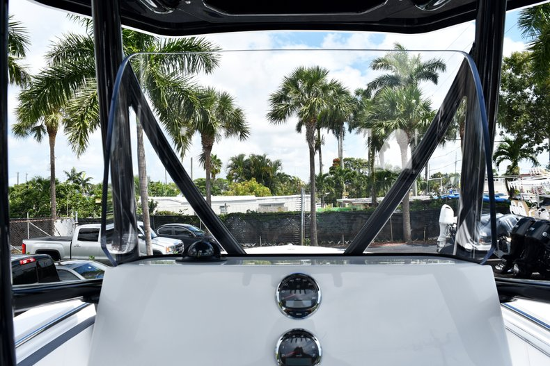Thumbnail 35 for New 2019 Blackfin 212CC Center Console boat for sale in West Palm Beach, FL