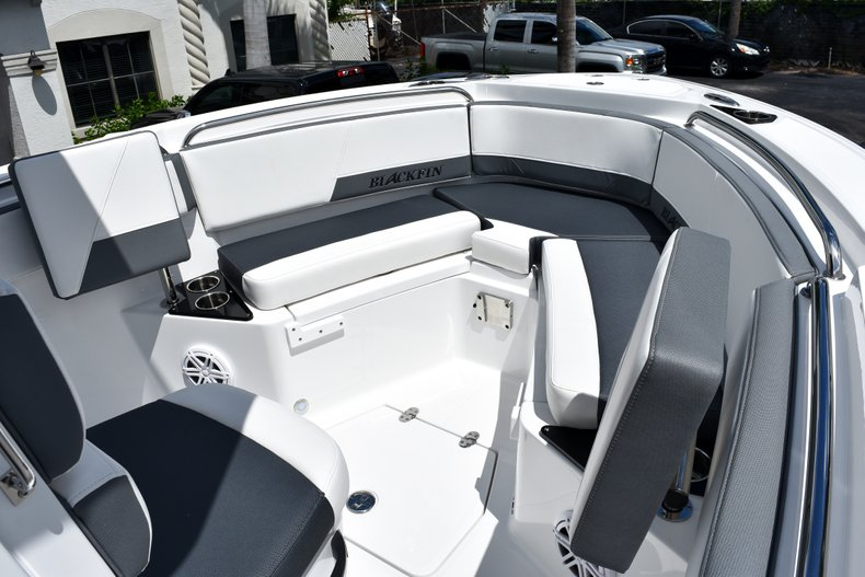 Thumbnail 47 for New 2019 Blackfin 212CC Center Console boat for sale in West Palm Beach, FL