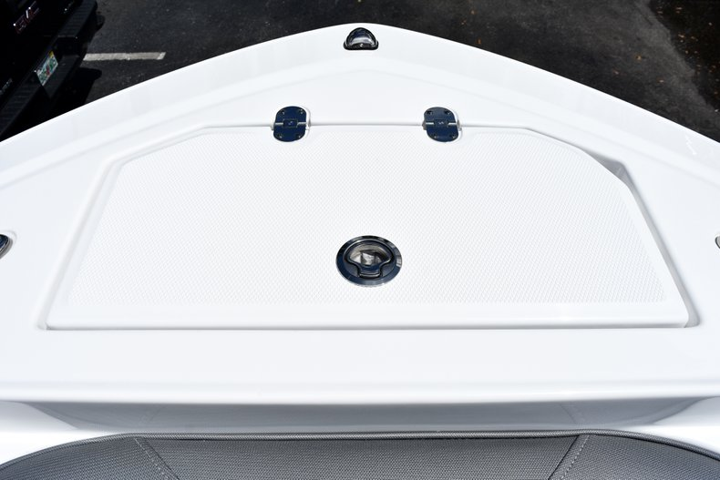 Thumbnail 59 for New 2019 Blackfin 212CC Center Console boat for sale in West Palm Beach, FL