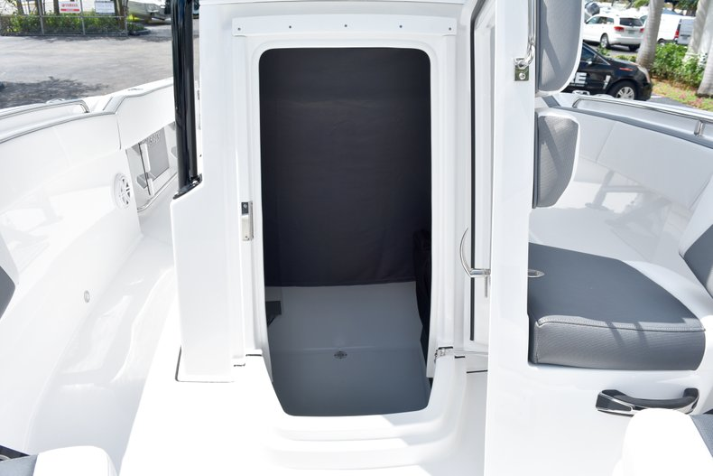 Thumbnail 51 for New 2019 Blackfin 212CC Center Console boat for sale in West Palm Beach, FL