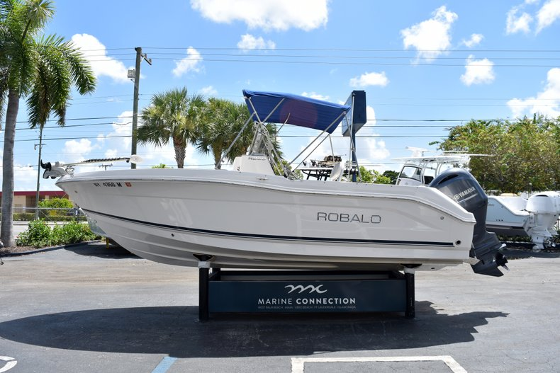Thumbnail 6 for Used 2016 Robalo R200 Center Console boat for sale in West Palm Beach, FL