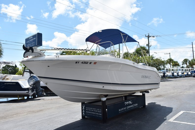 Thumbnail 5 for Used 2016 Robalo R200 Center Console boat for sale in West Palm Beach, FL