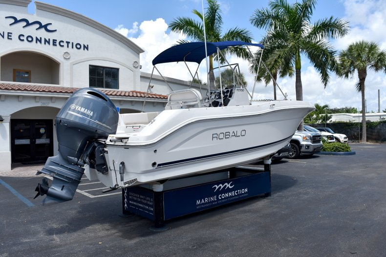 Thumbnail 9 for Used 2016 Robalo R200 Center Console boat for sale in West Palm Beach, FL