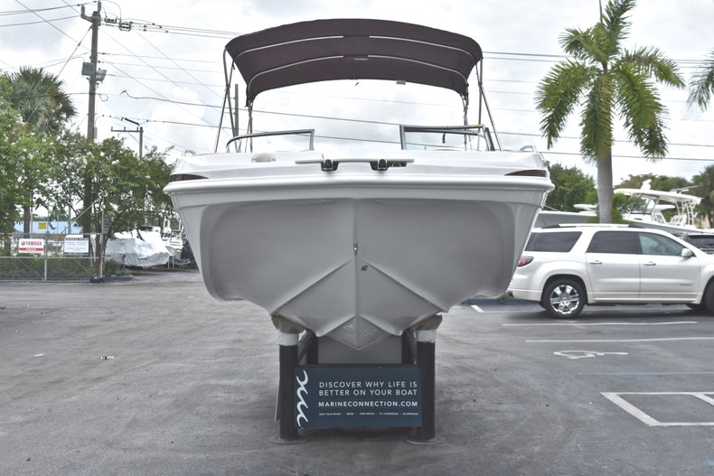 Thumbnail 2 for New 2019 Hurricane 217 SunDeck OB boat for sale in Fort Lauderdale, FL