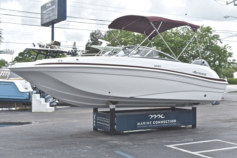 Thumbnail 3 for New 2019 Hurricane 217 SunDeck OB boat for sale in Fort Lauderdale, FL