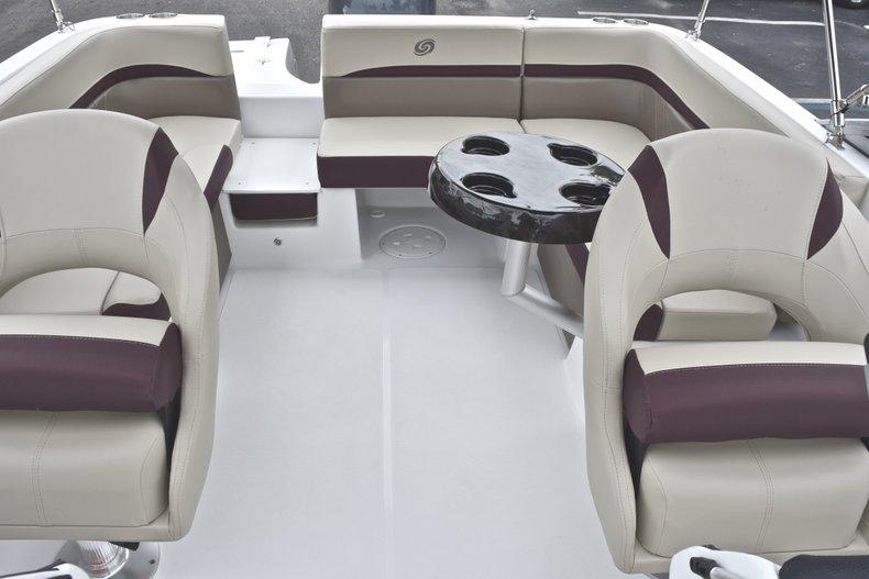 Thumbnail 12 for New 2019 Hurricane 217 SunDeck OB boat for sale in Vero Beach, FL