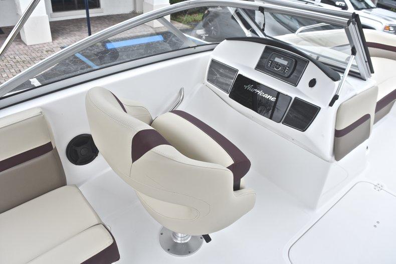 Thumbnail 28 for New 2019 Hurricane 217 SunDeck OB boat for sale in Vero Beach, FL