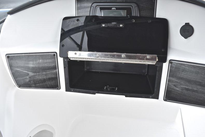 Thumbnail 32 for New 2019 Hurricane 217 SunDeck OB boat for sale in Vero Beach, FL