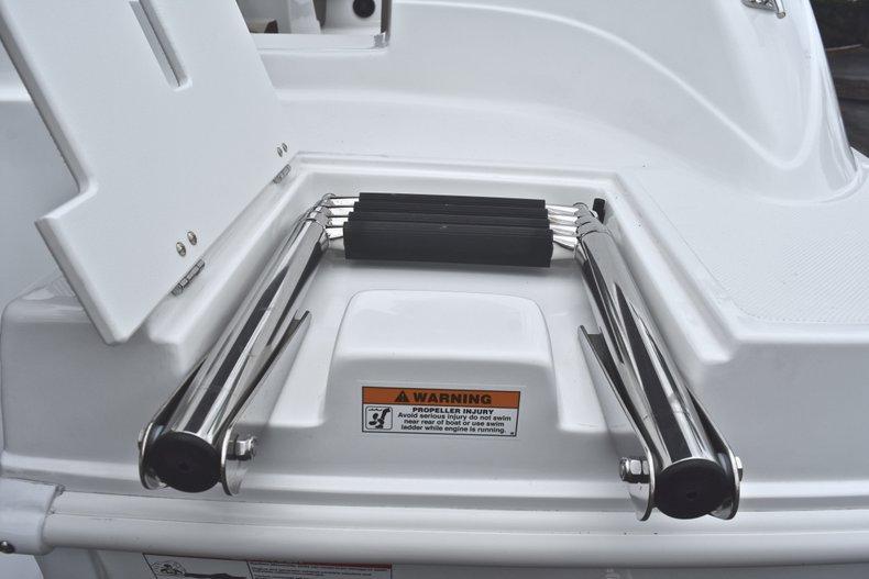 Thumbnail 10 for New 2019 Hurricane 217 SunDeck OB boat for sale in Vero Beach, FL