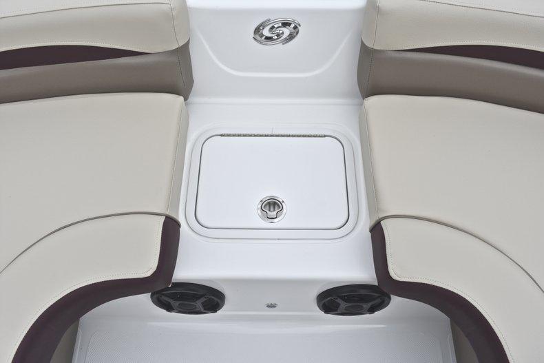 Thumbnail 52 for New 2019 Hurricane 217 SunDeck OB boat for sale in Vero Beach, FL