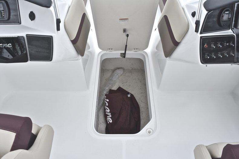 Thumbnail 44 for New 2019 Hurricane 217 SunDeck OB boat for sale in Vero Beach, FL