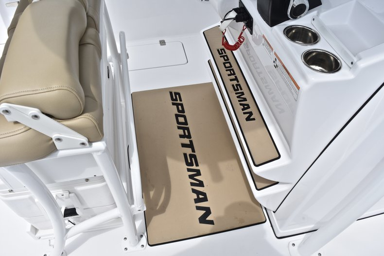 Thumbnail 52 for Used 2018 Sportsman Open 252 Center Console boat for sale in West Palm Beach, FL