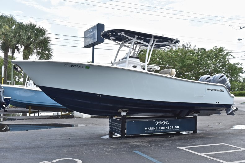 Thumbnail 4 for Used 2018 Sportsman Open 252 Center Console boat for sale in West Palm Beach, FL