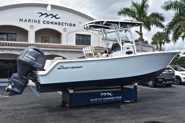 Thumbnail 8 for Used 2018 Sportsman Open 252 Center Console boat for sale in West Palm Beach, FL