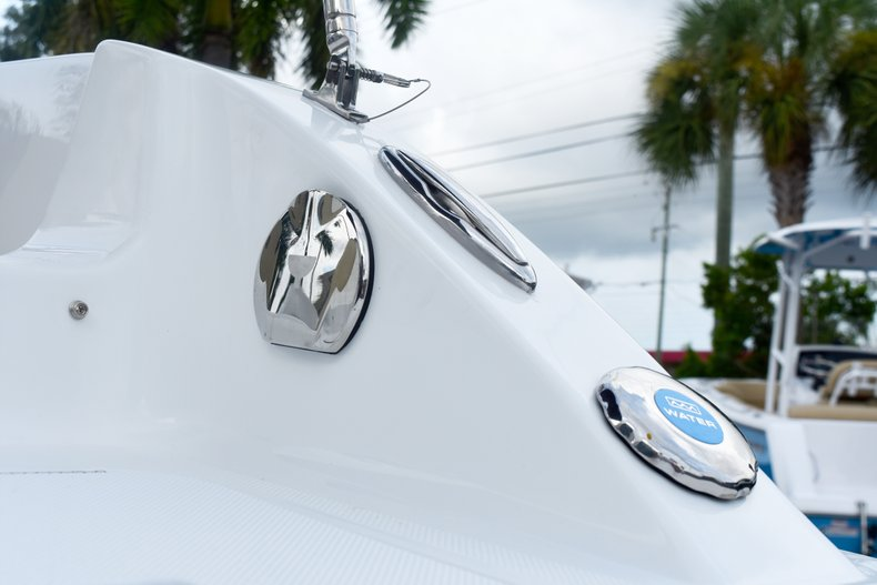 Thumbnail 9 for New 2019 Hurricane 188 SunDeck Sport OB boat for sale in West Palm Beach, FL