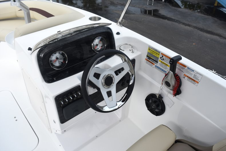 Thumbnail 23 for New 2019 Hurricane 188 SunDeck Sport OB boat for sale in West Palm Beach, FL