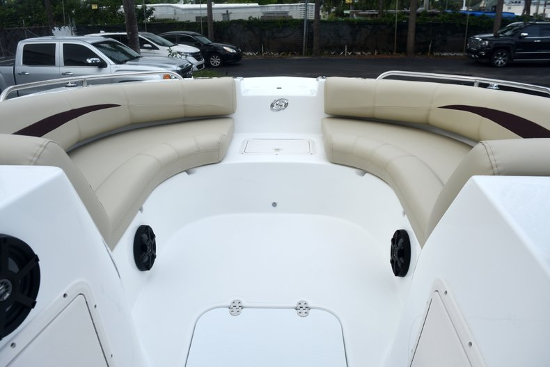 Thumbnail 38 for New 2019 Hurricane 188 SunDeck Sport OB boat for sale in West Palm Beach, FL