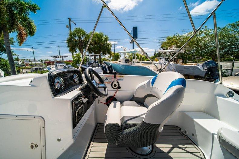 Thumbnail 13 for New 2019 Hurricane 188 SunDeck Sport OB boat for sale in Vero Beach, FL