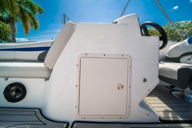 Thumbnail 14 for New 2019 Hurricane 188 SunDeck Sport OB boat for sale in Vero Beach, FL