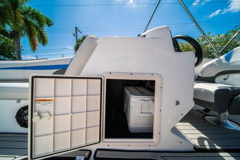 Thumbnail 15 for New 2019 Hurricane 188 SunDeck Sport OB boat for sale in Vero Beach, FL