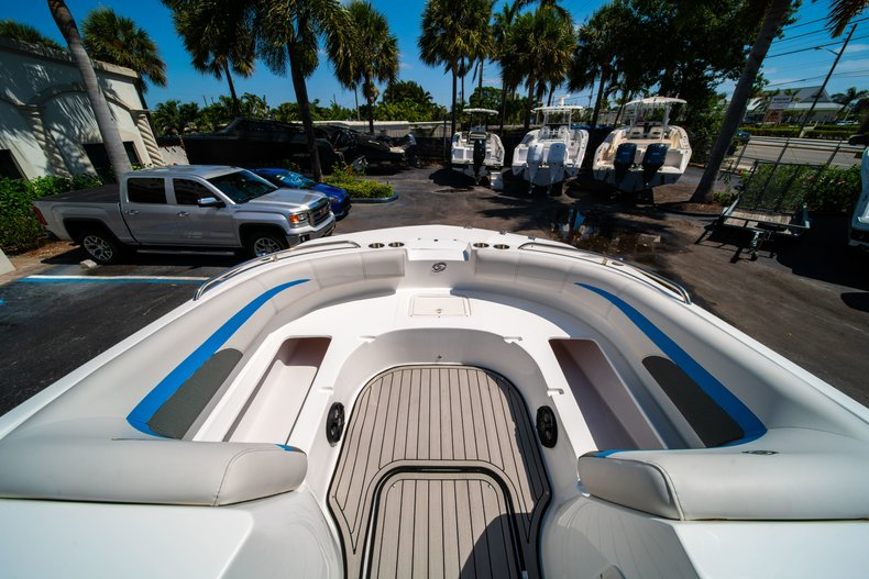Thumbnail 21 for New 2019 Hurricane 188 SunDeck Sport OB boat for sale in Vero Beach, FL