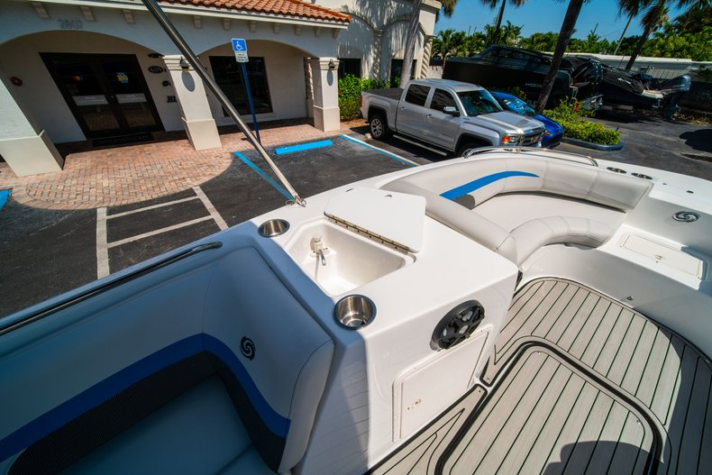 Thumbnail 19 for New 2019 Hurricane 188 SunDeck Sport OB boat for sale in Vero Beach, FL