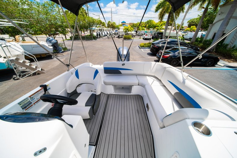 Thumbnail 9 for New 2019 Hurricane 188 SunDeck Sport OB boat for sale in Vero Beach, FL