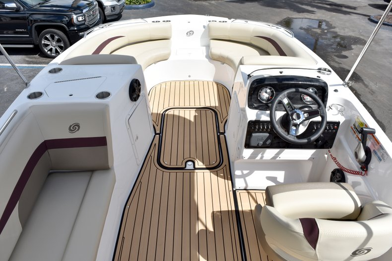 Thumbnail 13 for New 2019 Hurricane 188 SunDeck Sport OB boat for sale in West Palm Beach, FL
