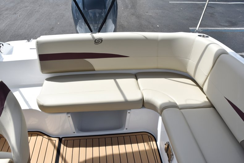Thumbnail 14 for New 2019 Hurricane 188 SunDeck Sport OB boat for sale in West Palm Beach, FL