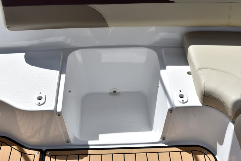 Thumbnail 15 for New 2019 Hurricane 188 SunDeck Sport OB boat for sale in West Palm Beach, FL