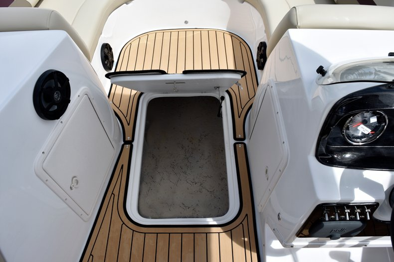 Thumbnail 25 for New 2019 Hurricane 188 SunDeck Sport OB boat for sale in West Palm Beach, FL