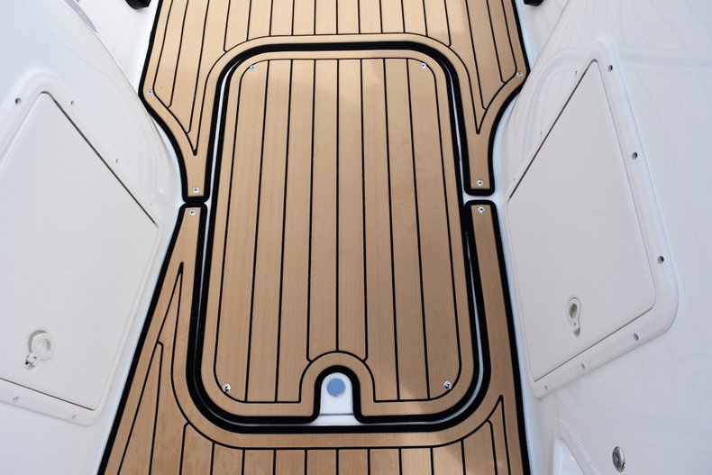 Thumbnail 24 for New 2019 Hurricane 188 SunDeck Sport OB boat for sale in West Palm Beach, FL