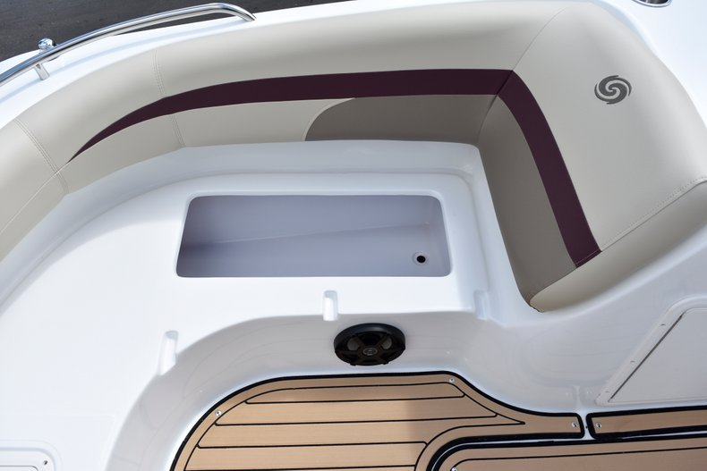 Thumbnail 40 for New 2019 Hurricane 188 SunDeck Sport OB boat for sale in West Palm Beach, FL