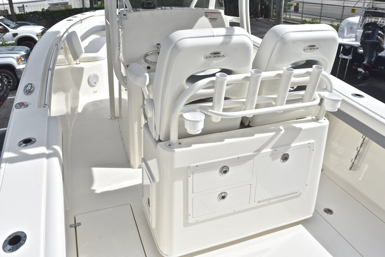 Thumbnail 14 for New 2019 Cobia 277 Center Console boat for sale in West Palm Beach, FL