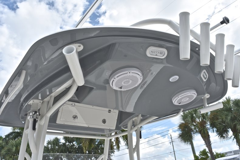 Thumbnail 32 for New 2019 Cobia 277 Center Console boat for sale in West Palm Beach, FL