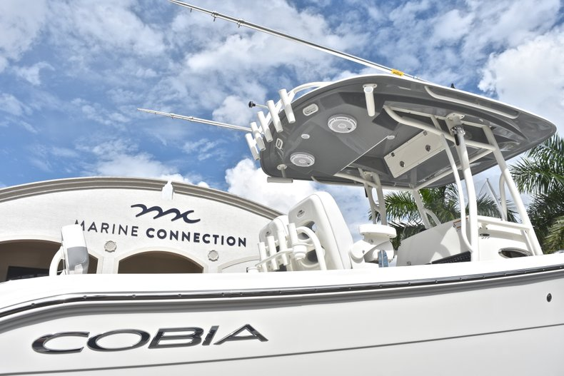 Thumbnail 9 for New 2019 Cobia 277 Center Console boat for sale in West Palm Beach, FL