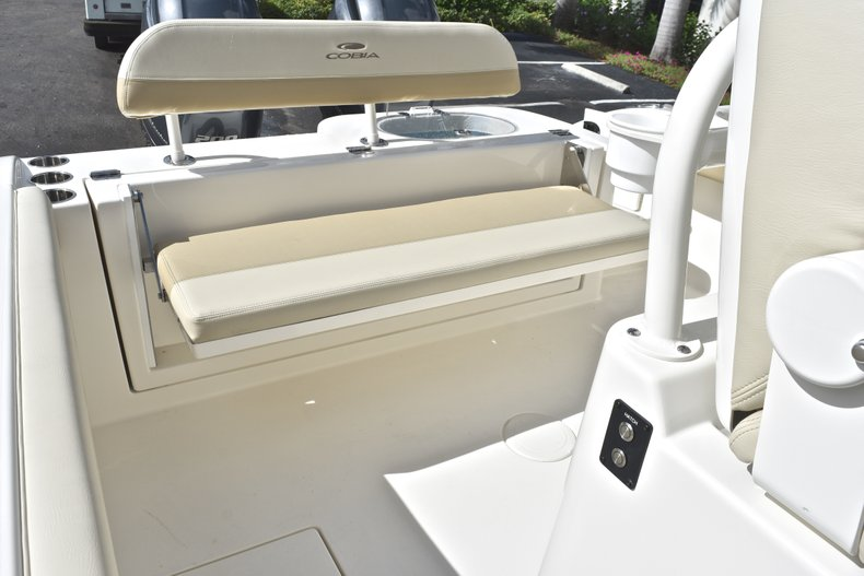 Thumbnail 16 for New 2019 Cobia 277 Center Console boat for sale in West Palm Beach, FL