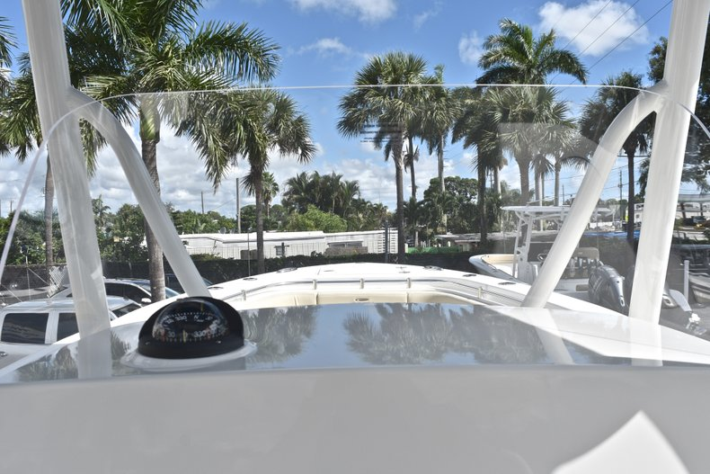 Thumbnail 41 for New 2019 Cobia 277 Center Console boat for sale in West Palm Beach, FL