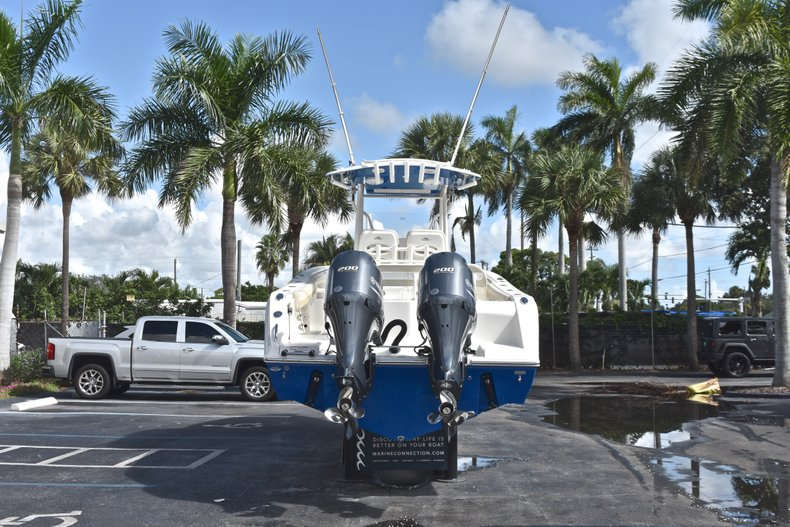Thumbnail 6 for New 2019 Cobia 277 Center Console boat for sale in West Palm Beach, FL