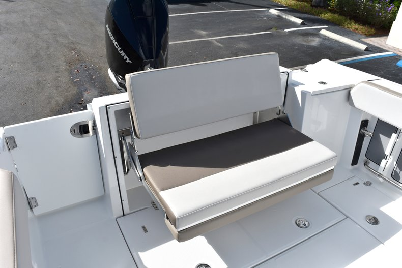 Thumbnail 22 for New 2019 Blackfin 242CC Center Console boat for sale in West Palm Beach, FL