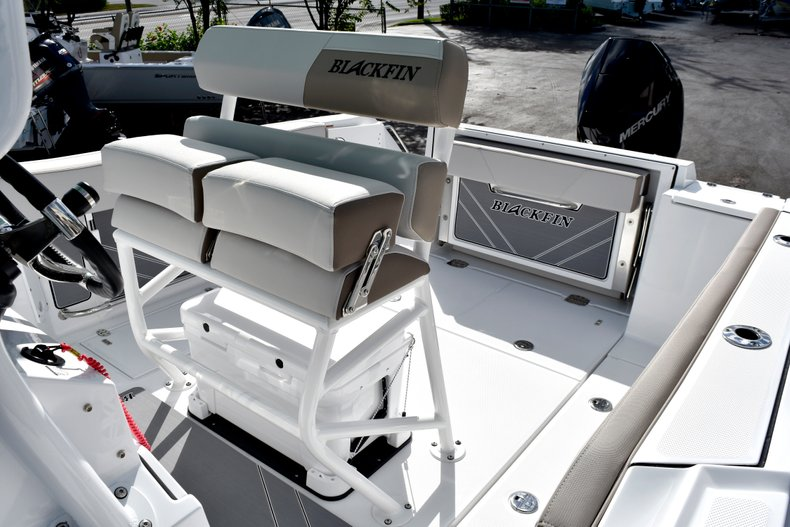 Thumbnail 28 for New 2019 Blackfin 242CC Center Console boat for sale in West Palm Beach, FL