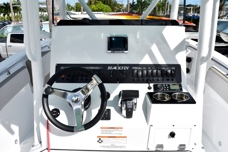 Thumbnail 32 for New 2019 Blackfin 242CC Center Console boat for sale in West Palm Beach, FL