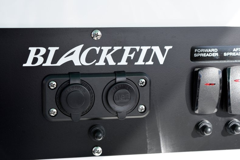 Thumbnail 38 for New 2019 Blackfin 242CC Center Console boat for sale in West Palm Beach, FL