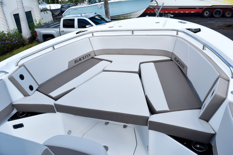 Thumbnail 47 for New 2019 Blackfin 242CC Center Console boat for sale in West Palm Beach, FL