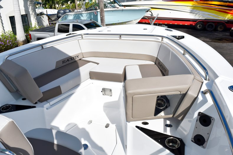 Thumbnail 46 for New 2019 Blackfin 242CC Center Console boat for sale in West Palm Beach, FL