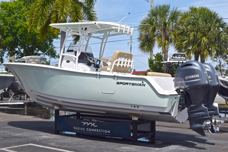 Thumbnail 6 for Used 2017 Sportsman Heritage 251 Center Console boat for sale in West Palm Beach, FL