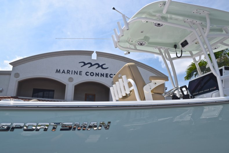 Thumbnail 9 for Used 2017 Sportsman Heritage 251 Center Console boat for sale in West Palm Beach, FL