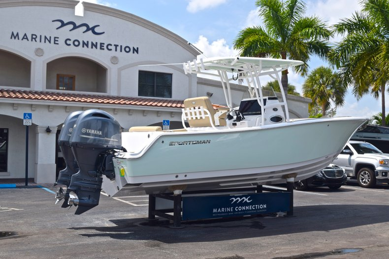 Thumbnail 8 for Used 2017 Sportsman Heritage 251 Center Console boat for sale in West Palm Beach, FL