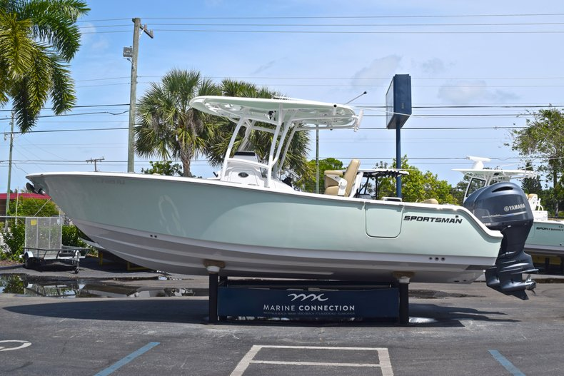 Thumbnail 5 for Used 2017 Sportsman Heritage 251 Center Console boat for sale in West Palm Beach, FL