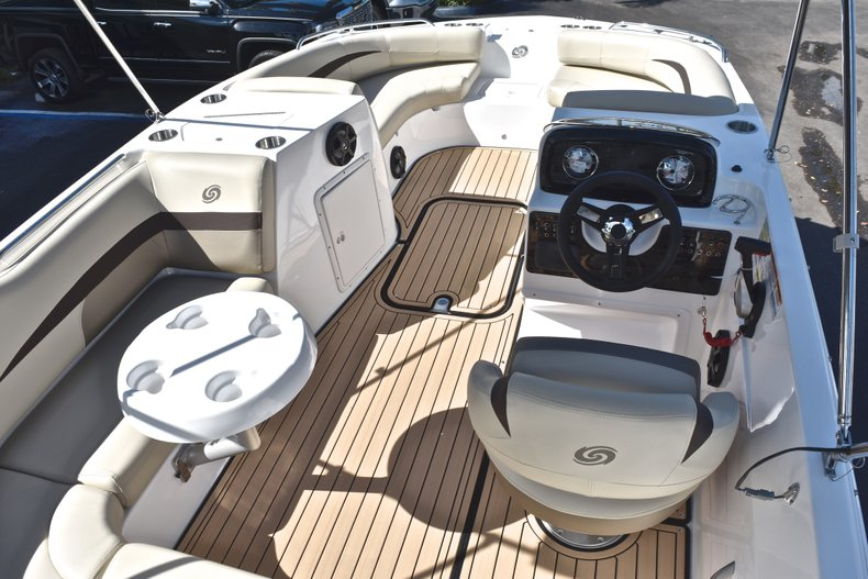 Thumbnail 11 for New 2019 Hurricane 188 SunDeck Sport OB boat for sale in West Palm Beach, FL
